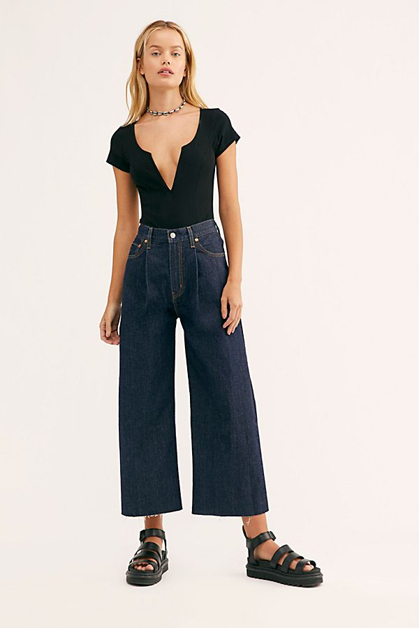 Levi's ribcage pleated jeans