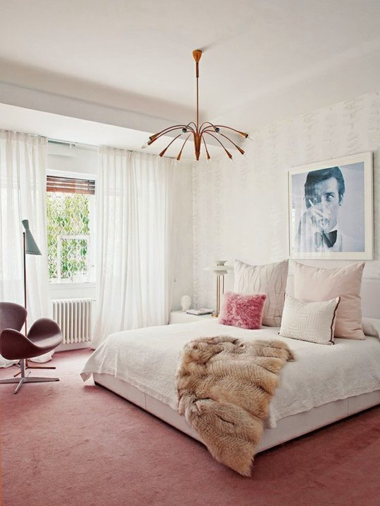 pink wall to wall carpet