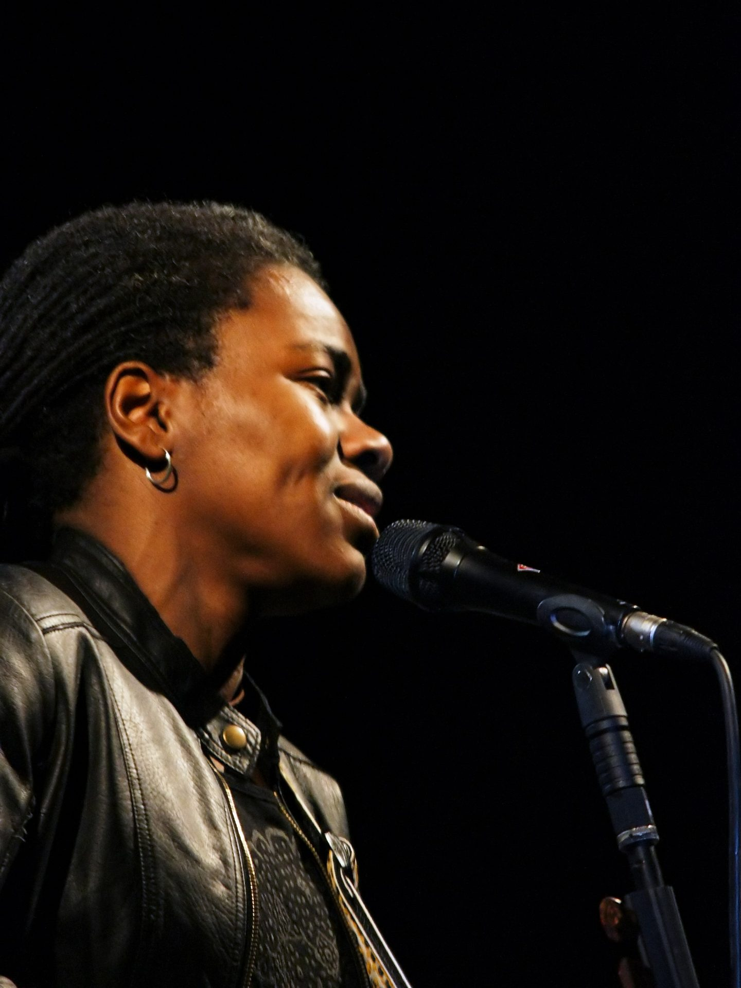 Tracy Chapman singing