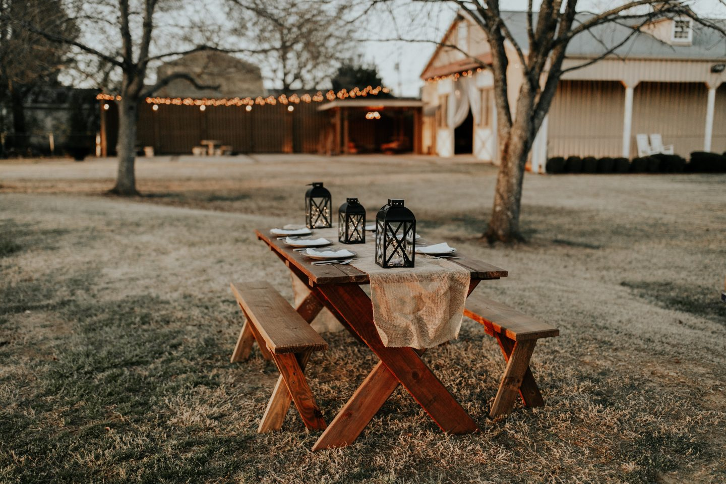 string lights picnic table